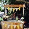 Sarah Michelle Gellar s'est renconvertie en vendeuse de boissons.