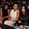 Kendall Jenner, Kim Kardashian et Kylie Jenner, jolie trio arrivant aux Teen Choice Awards à Los Angeles, le 10 août 2014