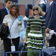 Anna Wintour et Mirka Federer à l'occasion du match de Roger Federer face à Marinko Matosevic lors du premier tour de l'US Open, à l'USTA Billie Jean King National Tennis Center de New York le 26 août 2014