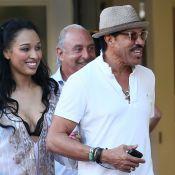 Lionel Richie toujours aussi séduisant : Sa très jeune compagne sous le charme