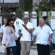 Lionel Richie visite Saint-Tropez avec sa très jeune compagne et Sir Philip Green, le 27 août 2014