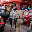 La très jeune compagne de Lionel Richie a croisé le gendarme de Saint-Tropez, le 27 août 2014