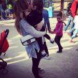 Emilie Nef Naf adore photographier son adorable fille Maëlla. Août/septembre 2014.