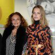 """Exclusif - La créatrice légendaire Diane von Fürstenberg et Natalia Vodianova - Les Galeries Lafayette lancent la Fashion Week avec Diane von Fürstenberg lors du vernissage de l'exposition """"Fashion Icons"""" devant la vitrine boulevard Haussmann à Paris, le 24 septembre 2014."""