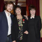 Anny Duperey décorée : Gaël Giraudeau avec son amoureuse pour fêter sa maman