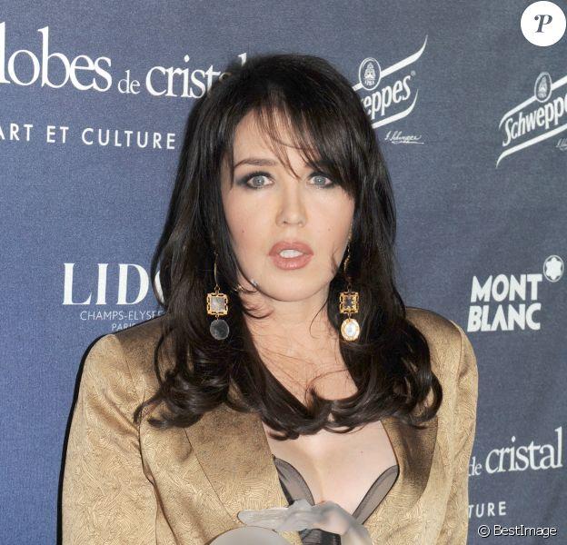 Isabelle Adjani à Paris le 8 février 2010.