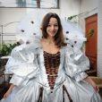 Eliette Abecassis à l'hôtel Best Western à Paris, le 11 octobre 2014 en train d'essayer la robe qu'elle portera au Salon du Chocolat