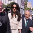 Amal Alamuddin Clooney arrive au Musée de l'Acropole d'Athènes avec son équipe, le 15 octobre 2014. Amal Alamuddin Clooney arrives to Acropolis Museum in Athens on October 15, 2014 in Athens, Greece. Human rights lawyer Amal Alamuddin Clooney who recently married George Clooney is visiting Athens as part of a team advising the government on the return of the Parthenon Marbles.15/10/2014 - Athènes