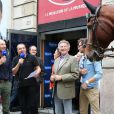 Nicolas Canteloup, Jean-Marc Morandini et Nelson Monfort, avenue François Ier à Paris, à l'occasion du défilé organisé pour les 10 ans d'antenne de Nicolas Canteloup, le vendredi 24 octobre 2014.