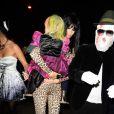 Claudia Schiffer, son mari Matthew Vaughn et leur fille lors la soirée Halloween chez Jonathan Ross à Londres. Le 31 octobre 2014.
