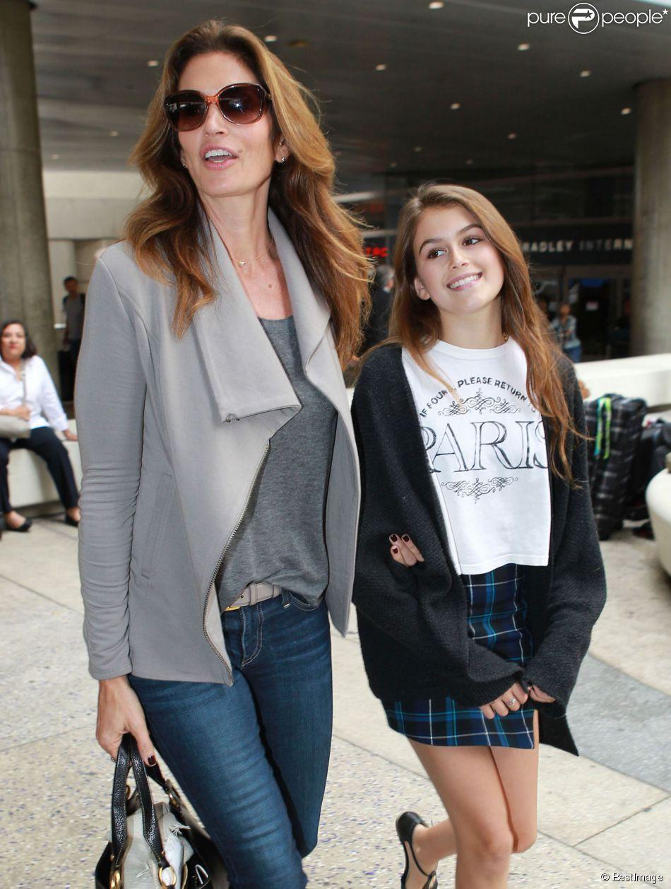 Favori Kaia Gerber, 13 ans : La fille de Cindy Crawford brille sur le  RZ07