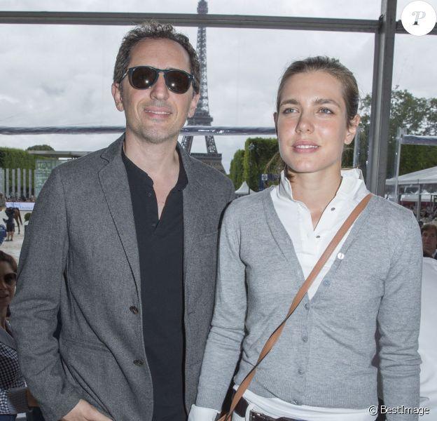 Exclusif - Gad Elmaleh et Charlotte Casiraghi, au Champ de Mars à Paris le 5 juillet 2014.