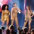 Jessie J, Nicki Minaj et Ariana Grande aux 42e American Music Awards, chantent Bang Bang, à Los Angeles, le 23 novembre 2014