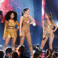 Jessie J, Nicki Minaj et Ariana Grande aux American Music Awards, chantent Bang Bang, à Los Angeles, le 23 novembre 2014