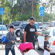 Kendra Wilkinson et Hank Baskett en famille à Los Angeles, le 27 septembre 2014.