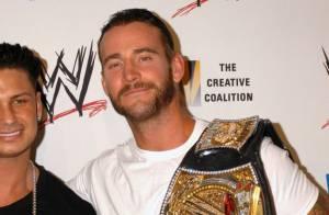 CM Punk : La star du catch virée par la WWE... le jour de son mariage !