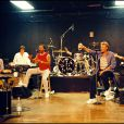 EXCLUSIF - ARCHIVES - JOHNNY HALLYDAY EN REPETITION AVEC SES MUSICIENS A LOS ANGELES  CHORISTE ERICK BAMY16/08/1998 - Los Angeles
