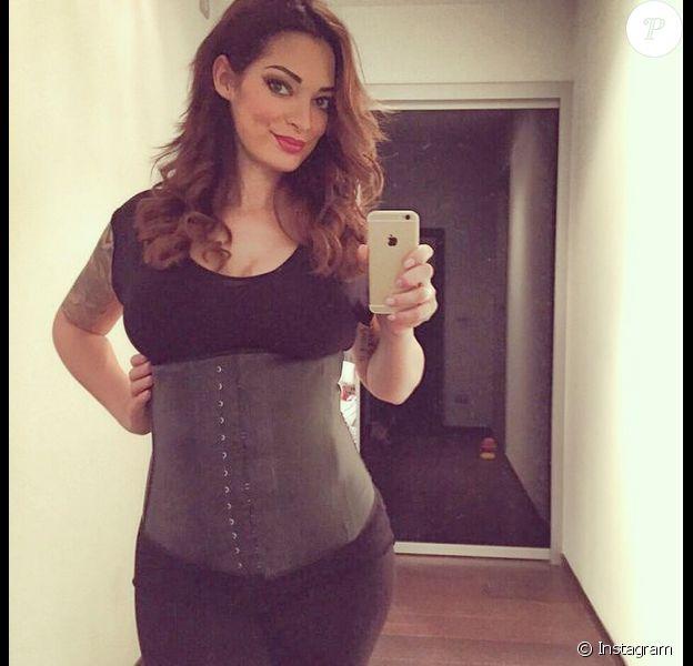 Emilie Nef Naf : la jeune maman a opté pour une gaine MyFitness pour retrouver sa silhouette