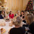 Mathilde Cerf, Camille Cerf ( Miss France 2015), Rachel Legrain-Trapani ( Miss France 2007), Alyssa Wurtz (4ème dauphine), Margaux Savarit (Miss Ile-De-France) - Anniversaire surprise ( 20 ans) de Miss France 2015, Camille Cerf et de sa soeur jumelle Mathilde au Shangri-La Hotel Paris. Le 9 Décembre 2014.