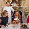 Camille Cerf (Miss France 2015 ) avec sa soeur jumelle Mathilde Cerf , le chef pâtissier François Perret ( Shangi-La hotel) Rachel Legrain-Trapani (Miss France 2007) - Anniversaire surprise ( 20 ans) de Miss France 2015, Camille Cerf et de sa soeur jumelle Mathilde au Shangri-La Hotel Paris. Le 9 Décembre 2014.