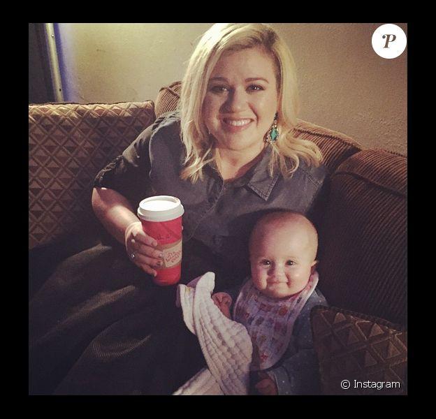 Kelly Clarkson et sa fille River Rose, le 13 décembre 2014.