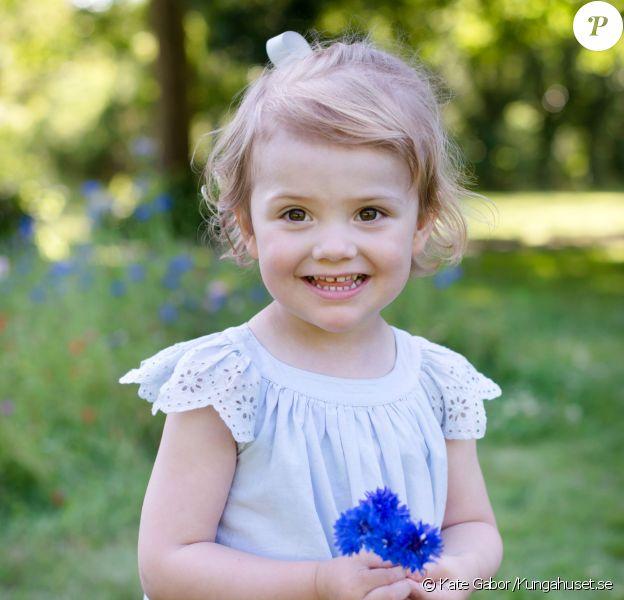 La princesse Estelle de Suède. Photo officielle réalisée par Kate Gabor, publiée début décembre 2014.