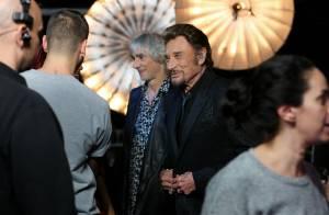 Johnny Hallyday avec Shy'm et Jenifer dans les coulisses de sa soirée événement