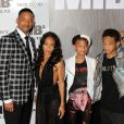 "Will Smith et Jada Pinkett Smith avec leurs enfants Willow et Jaden à la première de ""Men in Black 3"" à New York, le 23 mai 2012."