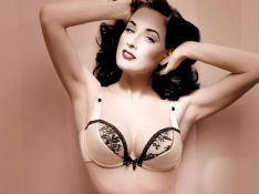 VIDEO  + PHOTOS : Dita von Teese, son strip-tease ultime !