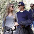 Antonio Banderas et sa petite-amie Nicole Kimpel complices à Malaga, le 20 décembre 2014.