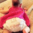 Le 18 janvier 2014, la chanteuse Christina Aguilera a partagé sur les réseaux sociaux une première photo de sa fille Summer Rain ! On ne distingue que la couche-culotte de cette dernière surnommée petite diva.