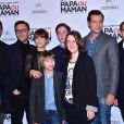 """Marina Foïs et Laurent Lafitte entourés de l'équipe du film - Avant-Première du film """"Papa ou Maman"""" au Cinéma Pathé Beaugrenelle à Paris le 26 janvier 2015."""