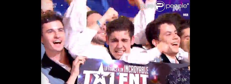 Bagad de Vannes sont les grands gagnants - Finale de La France a un incroyable talent 2015 sur M6. Mardi 27 janvier 2015.
