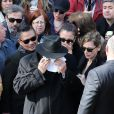 Costas le frère de Demi Roussos - Obsèques du chanteur Demis Roussos au Premier Cimetière d'Athènes en Grèce. Le 30 janvier 2015.