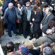 Nikos Aliagas - Obsèques du chanteur Demis Roussos au premier cimetière d'Athènes en Grèce le 30 janvier 2015.