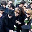 Le frère de Demis Roussos et Emilie (fille de Demis Roussos) - Obsèques du chanteur Demis Roussos au premier cimetière d'Athènes en Grèce le 30 janvier 2015.