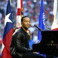 John Legend chantant 'America, the Beautiful' avant le Super Bowl 2015, le 1er février 2015.
