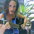 Natalia Doco interprète  Mucho Chino  en live.