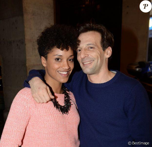 """Mathieu Kassovitz et sa nouvelle compagne Laura lors de la soirée """"Les musiques de la Gioia"""" animée par DJ Tefa & DJ Moox, au restaurant La Gioia à Paris le 28 janvier 2015"""