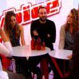 Clémence, entourée de ses proches, dans The Voice 4, sur TF1, le samedi 7 février 2015