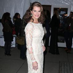 Brooke Shields arrive au Cipriani Wall Street pour assister au gala pré-Fashion Week de l'amfAR 2015. New York, le 11 février 2015.