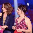 Virginie Guilhaume mise sous pression par Rachid Taha et Catherine Ringer sur la scène du Zénith de Paris, le 13 février 2015, lors des 30e Victoires de la Musique.