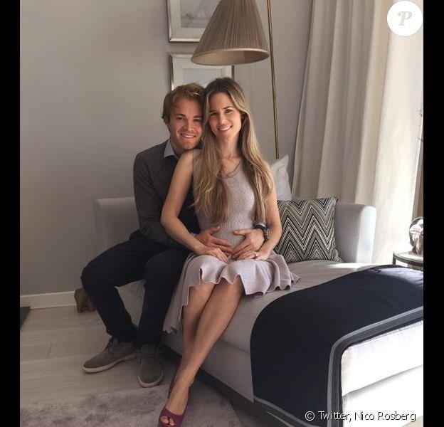 Nico Rosberg a annoncé le 20 février sur Twitter que sa belle Vivian Sibold était enceinte de leur premier enfant