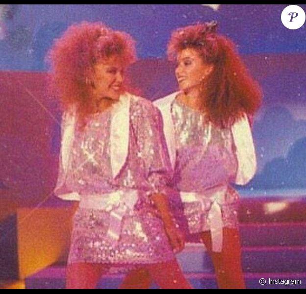 Kylie et Dannii Minogue lors d'une émission télé en 1986
