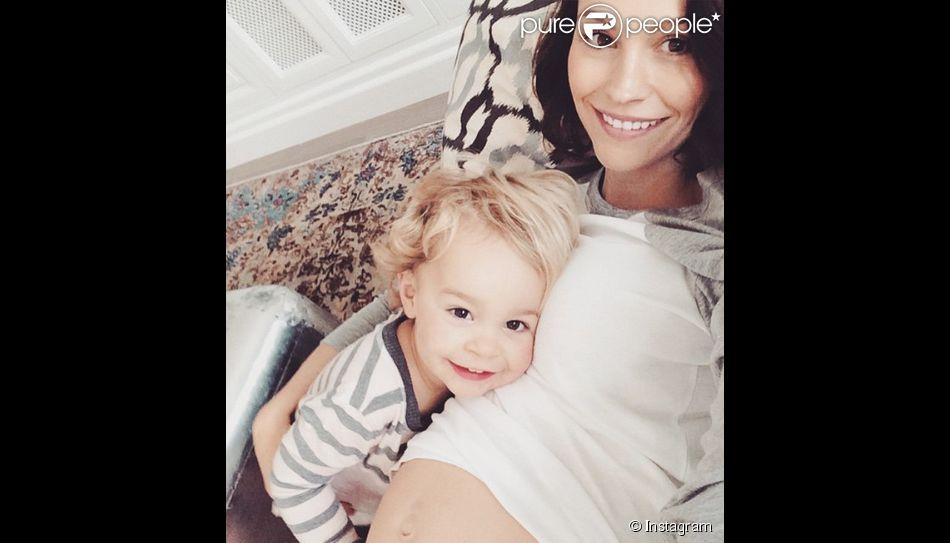 Jack Osbourne a ajouté une photo de sa femme Lisa et sa fille Pearl Clementine à son compte Instagram le 22 février 2015.