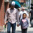 Ben Harper et sa fille Ellery Walker à la sortie d'un centre médical à Beverly Hills le 22 mai 2009