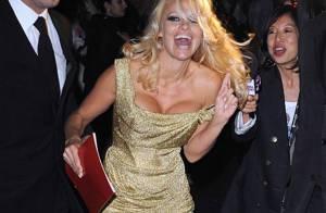 REPORTAGE PHOTOS : Pamela Anderson déchaînée... très court en haut et en bas !