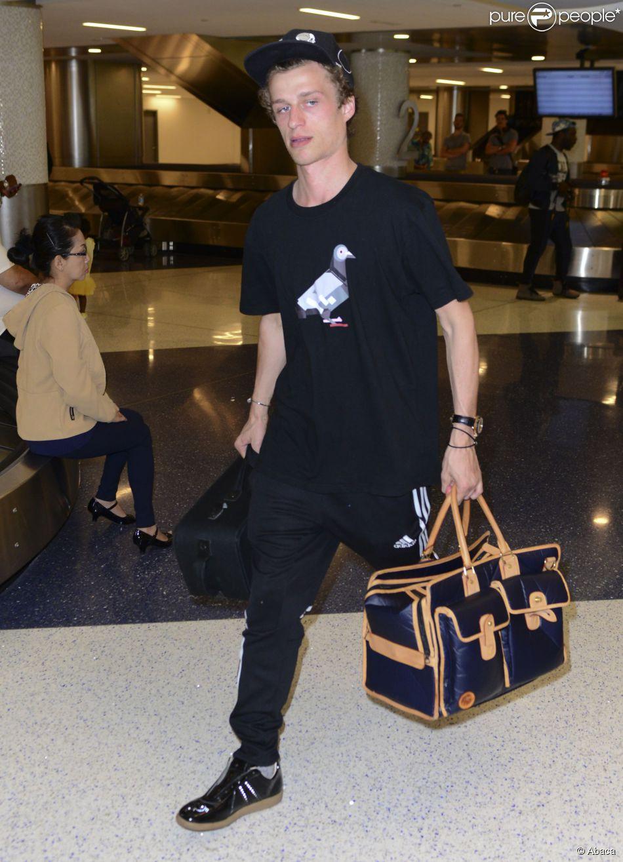 Conrad Hilton arrive à LAX, le 19 mai 2014