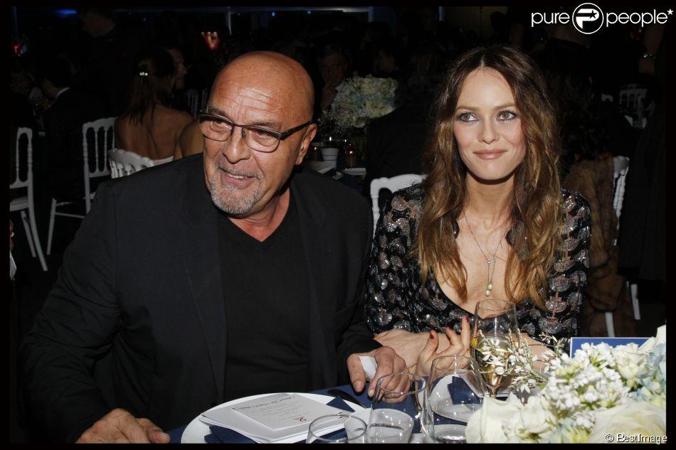 Jean-Baptiste Mondino et Vanessa Paradis au gala Sidaction à Paris, le 26 janvier 2012.