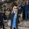 Lily Donaldson arrive à l'Opéra de Paris pour assister au défilé Stella McCartney automne-hiver 2015-2016. Paris, le 9 mars 2015.